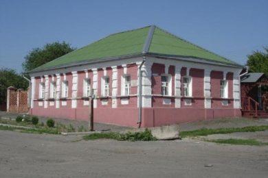 Льгов. Дом-музей Гайдара А.П. и Асеева Н.Н.