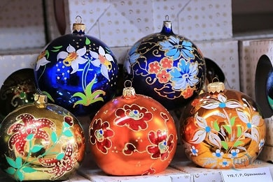Карачев + Хацунь<br>(музей ёлочных игрушек + мемориал)